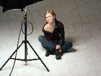 Julia Stiles, studio
