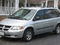 Dodge Caravan, Srebrny, Parking